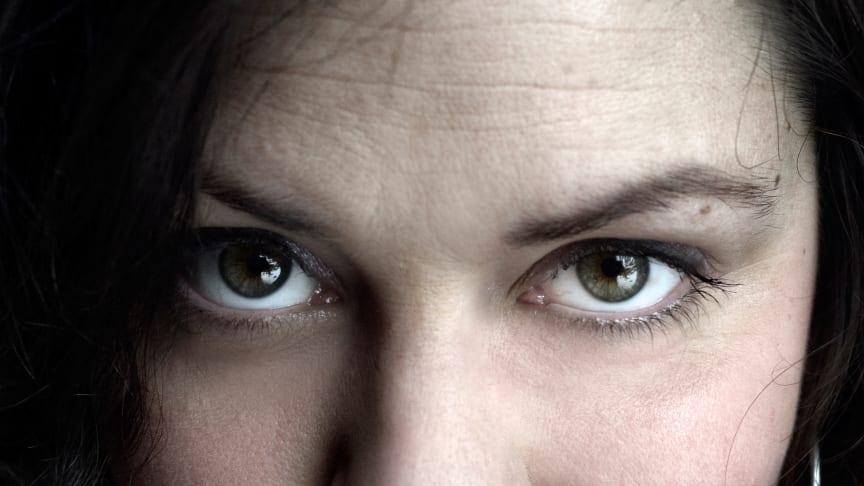 Hej Strindberg! UR:s Rebecca Vinterbarn Elg utmanar nationalskalden