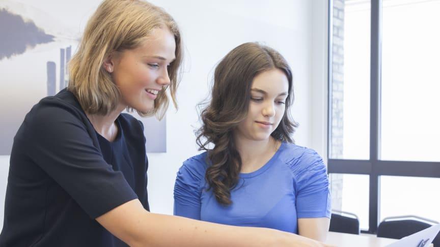 Ønsker du å forsøke deg som IT-konsuIent for én dag? I forbindelse med OD søker Visma skoleungdom som er nysgjerrig på en karriere innenfor IT.