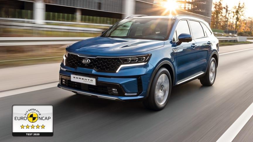 Den nye KIA Sorento er en rummelig, effektiv SUV i høj kvalitet med plads til op til syv personer, og ejerne kan stole på, at den også leverer et højt niveau af sikkerhed