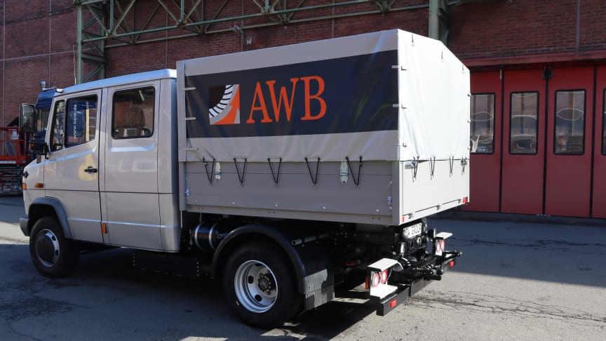 At bauma BPW will be presenting the options available for conversion with the eTransport electric drive axle on the AWB Köln company's Mercedes-Benz Vario with special bodywork.