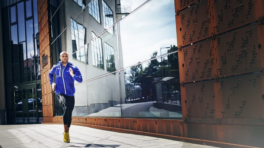 Weightless jacket for athletes who aim to run like the wind – Craft Focus Hood Jacket