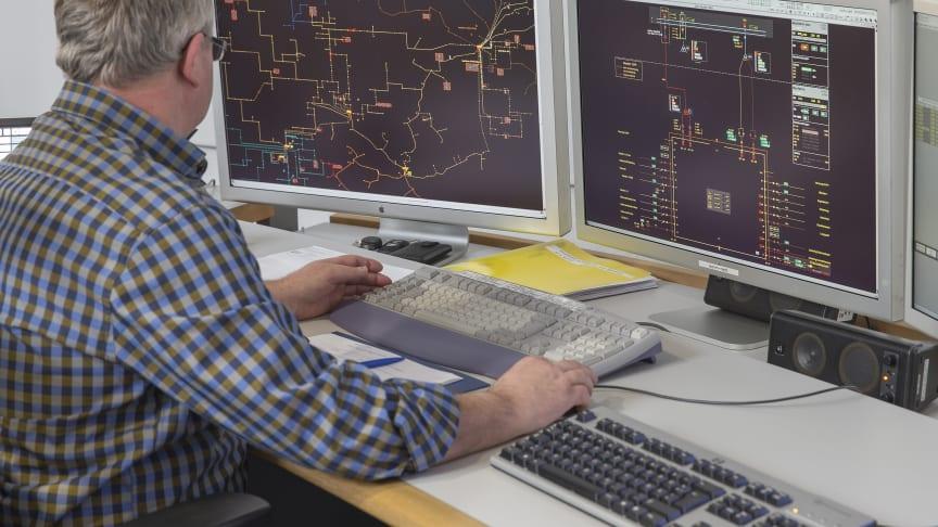 In der Netzleitstelle in Neunburg (Foto Archiv) wird der sichere Netzbetrieb koordiniert. Die NABEG-Novelle fordert künftig eine stärkere Zusammenarbeit der Netzbetreiber.
