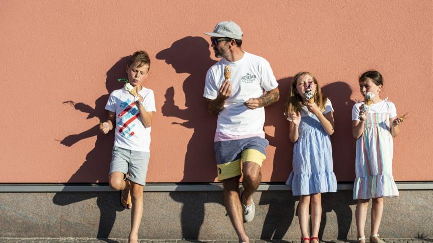Glass är populärt och i sommar finns flera nya ställen i Halland att njuta glass på. Foto Anna Hållams.