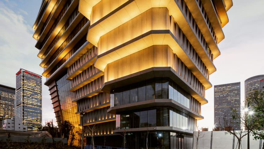ToHA bygningen i Tel Aviv - med sine 28.000 m2 Dekton by Cosentino | Fotos: Fernando Alda