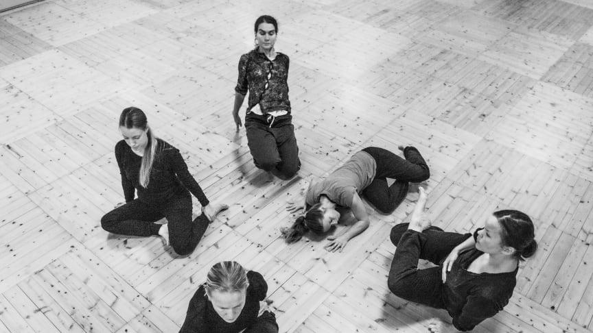 Urpremiär av Here-Us-Now 6 februari. Föreställningen spelas 6–9 februari på Dansmuseet. Foto: Håkan Jelk
