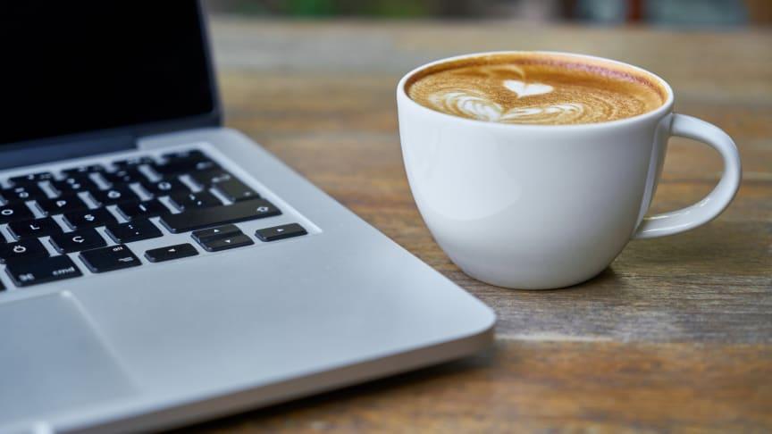 Ta en paus i arbetsdagen och läs några upplysande artiklar.