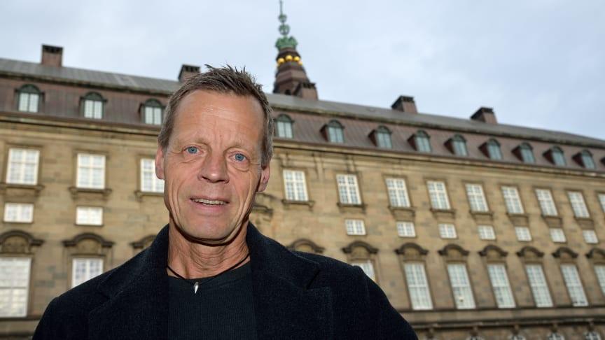 """Folketingsmedlem Lennart Damsbo-Andersen (S): """"Under 50 % af varebilerne kører på vinterdæk om vinteren, men hvis alle gjorde det, ville antallet af arbejdsulykker med motorkøretøjer være væsentligt lavere."""""""