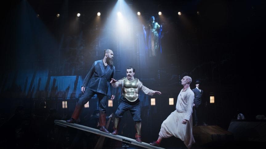 Satyagraha med Folkoperan och Cirkus Cirkör. Foto: Markus Gårder