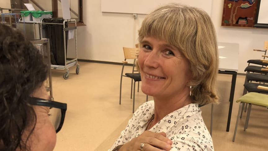 Bydelsoverlege Trude Bakke og helsesøster Åshild Nilsen oppfordrer alle som er i kontakt med pasienter å ta vaksine
