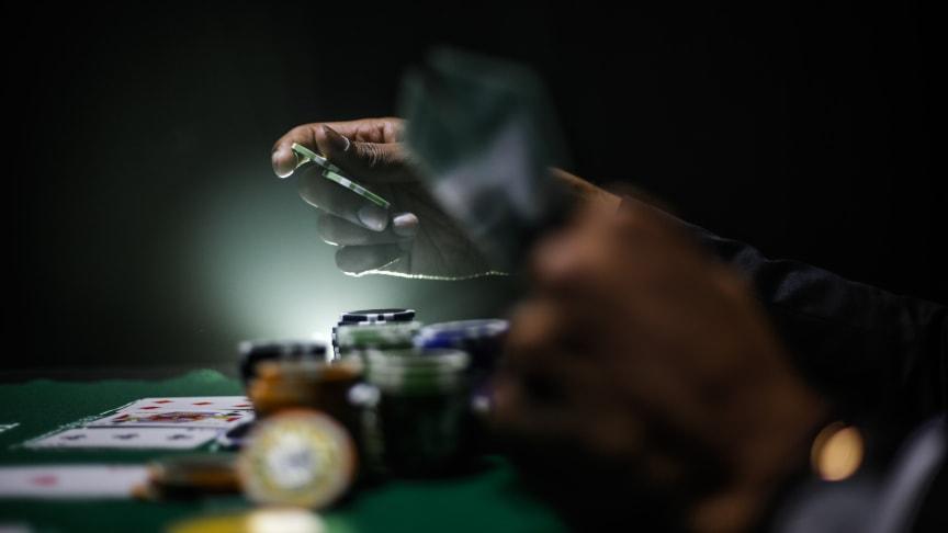 Casinospelare söker sig bort från restriktionerna - oroar spelbranschen