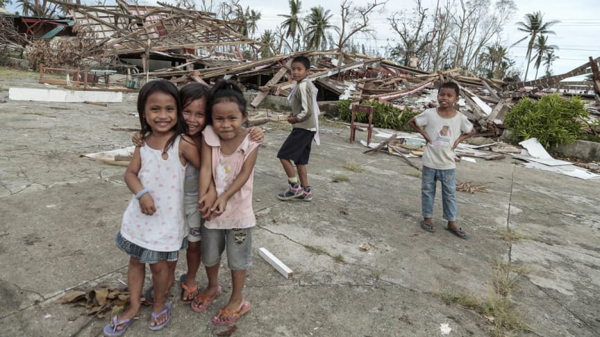 Filippinerna: 3 månader efter tyfonen Haiyan har medlemmarna i EAA tillsammans samlat in 2 miljarder kronor