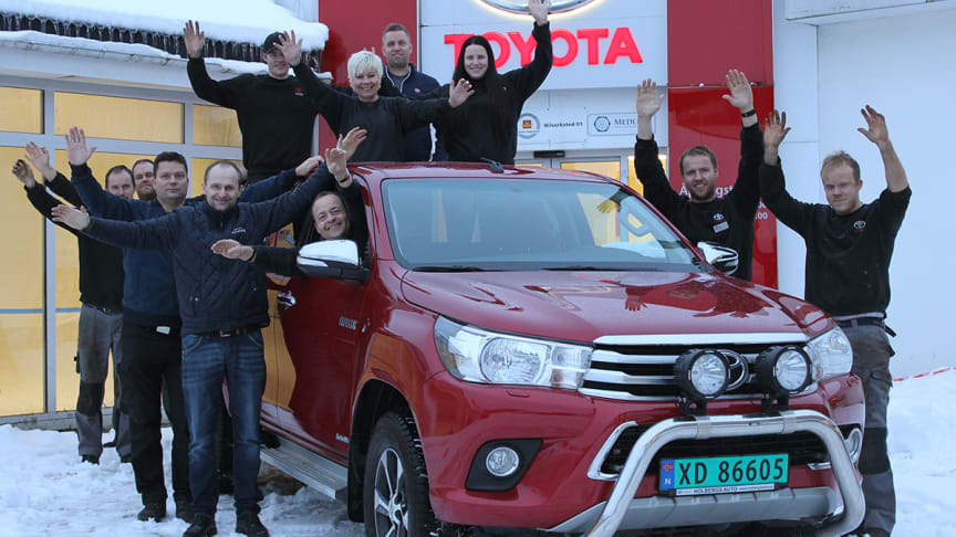 På topp: Holbergs Auto er fornøyd med at Toyota ble det mest solgte bilmerket i 2017.