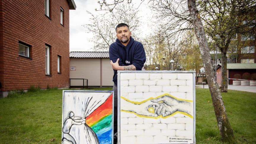 Marco Briones, verksamhetsledare Kunskapens hus och drivande i Klocket möter konsten. Foto: Magnus Andersson