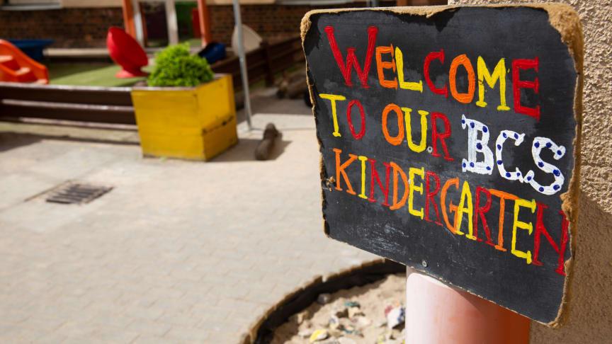 Im bilingualen Kindergarten der Berlin Cosmopolitan School ist jede:r willkommen. 45 Nationalitäten kommen unter einem Dach zusammen.