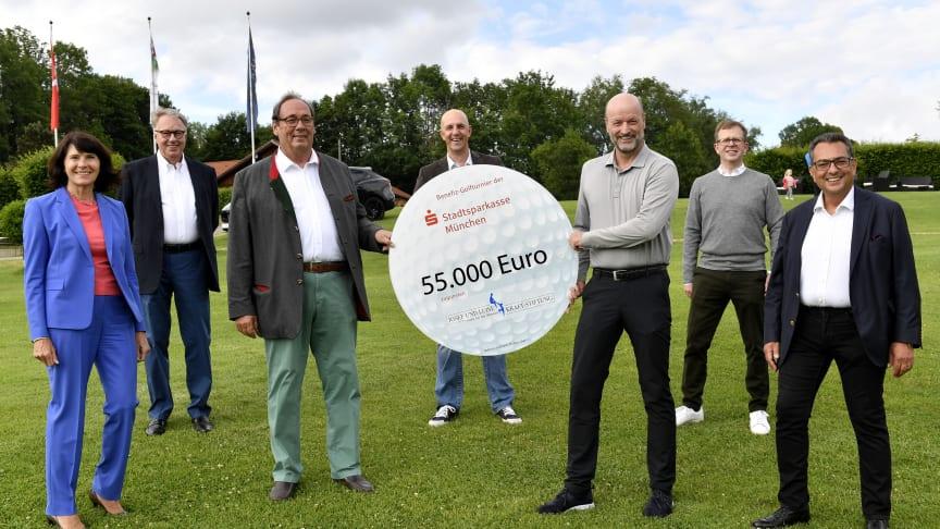 v.l.n.r.: Marlies Mirbeth, Eugen Turi, Dr. Harald Mosler, Stefan Hattenkofer, Ralf Fleischer, Dr. Bernd Hochberger, Stavros Kostantinidis. (Fotograf: Marcus Schlaf)