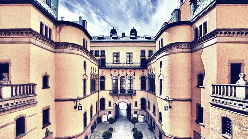 Servering på en av citys vackraste innergårdar – Hallwylska museet på Hamngatan 4