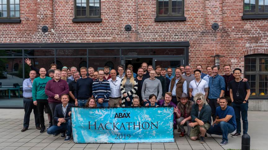 W przyszłość z ABAX Hackathonem