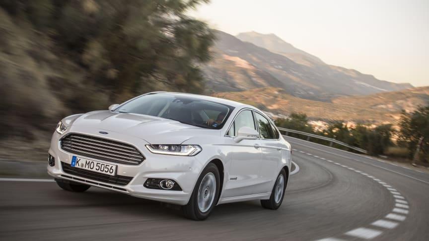 Nya Ford Mondeo har det största motorutbudet någonsin – dessutom lanseras nu hybridversionen Mondeo Hybrid