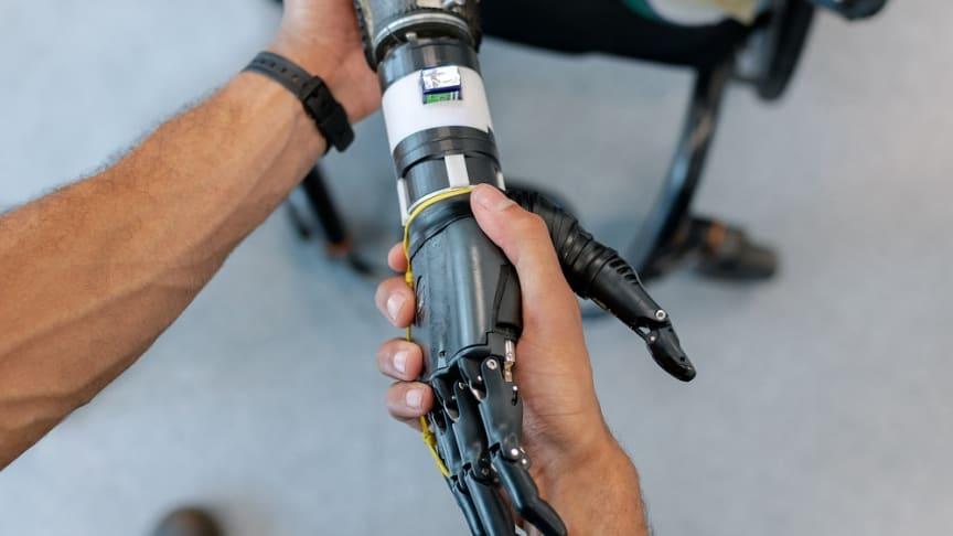 Proteser utvecklade med ultratunna kraftmätningsgivare.
