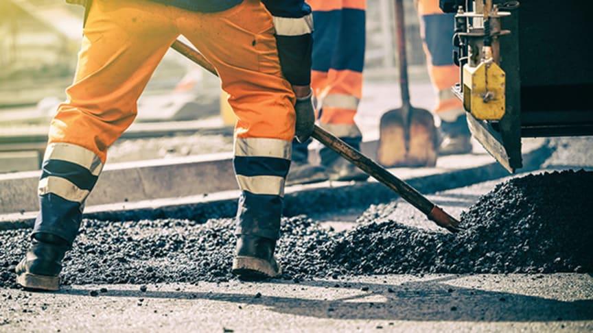 Infrasektorilla on iso hiilijalanjälki. Tehokas infrasuunnittelu voi vähentää sekä hiilipäästöjä että kustannuksia tiettyyn pisteeseen asti ensisijaisesti materiaalinkäytön ja rakennustoimintojen vähentämisen avulla.