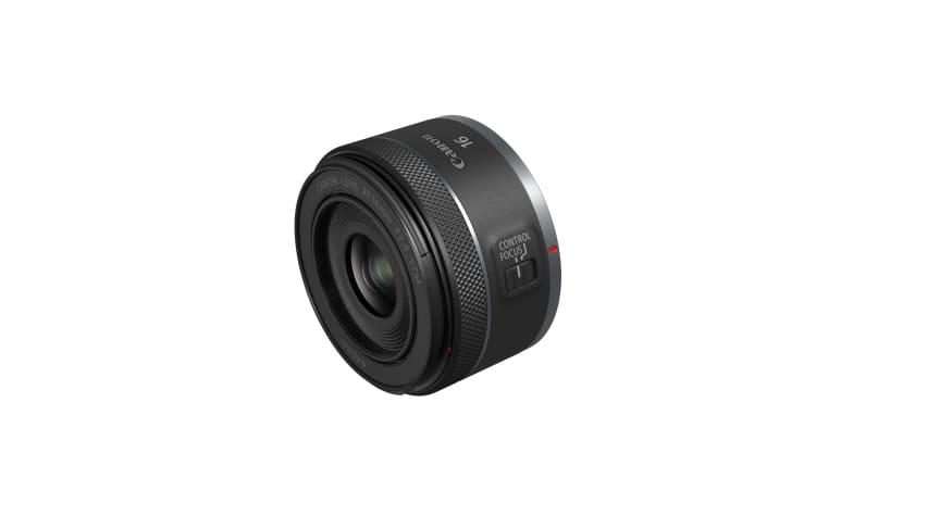 Canon RF 16mm F2.8 STM. Ett av två nya, lätta och kompakta RF-objektiv som lanseras idag.