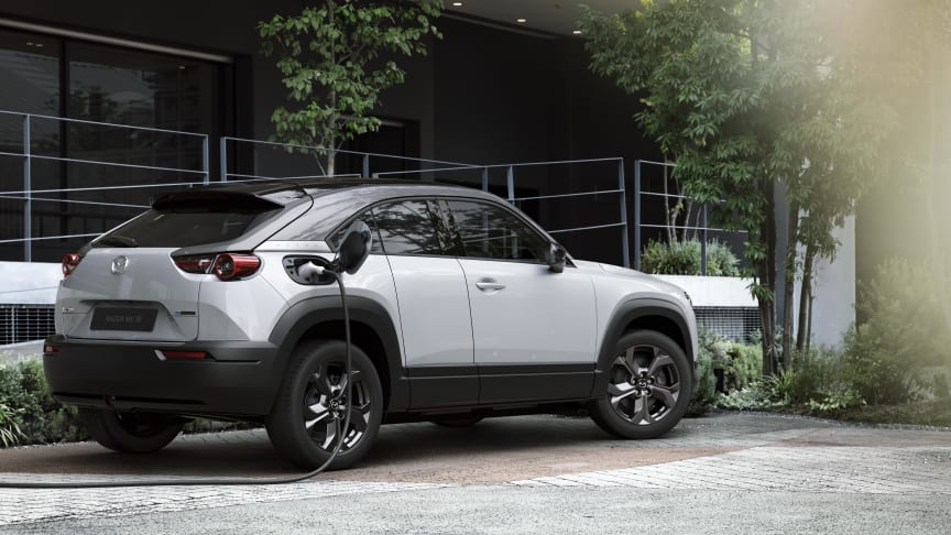 Mazda erbjuder ett virtuellt första möte med nya MX-30