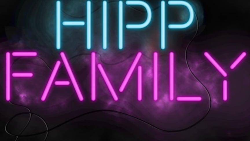 Lördag 13 oktober kl 16 på Hipp! Hipp Family är en fullspäckad show med en härlig mix av musik, sång, dans, dramatik och humor.