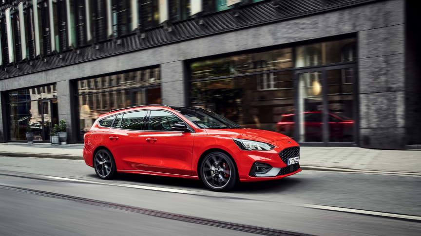 Ford julkaisi täysin uuden Ford Focus ST Wagon -mallin kuvat