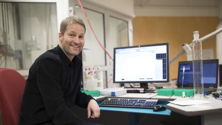 Fredrik Almqvist, professor i organisk kemi vid Umeå Universitet. Foto: Mattias Pettersson