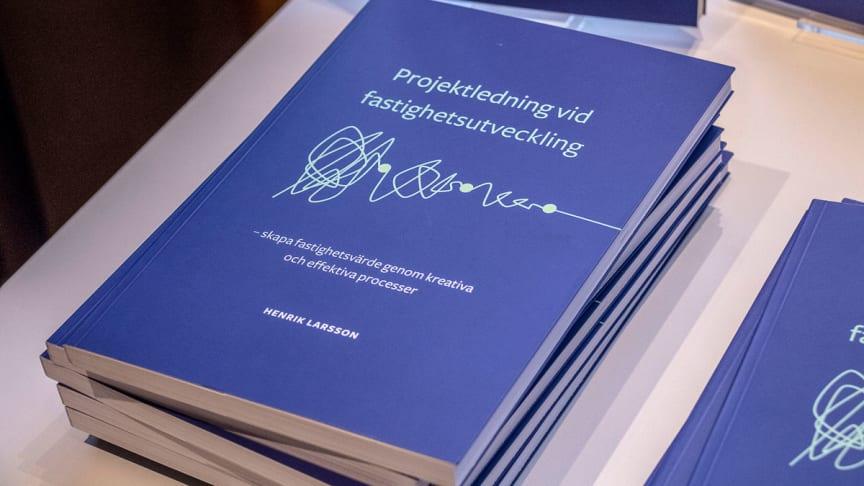 """Boken """"Projektledning vid fastighetsutveckling"""" är precis lanserad"""