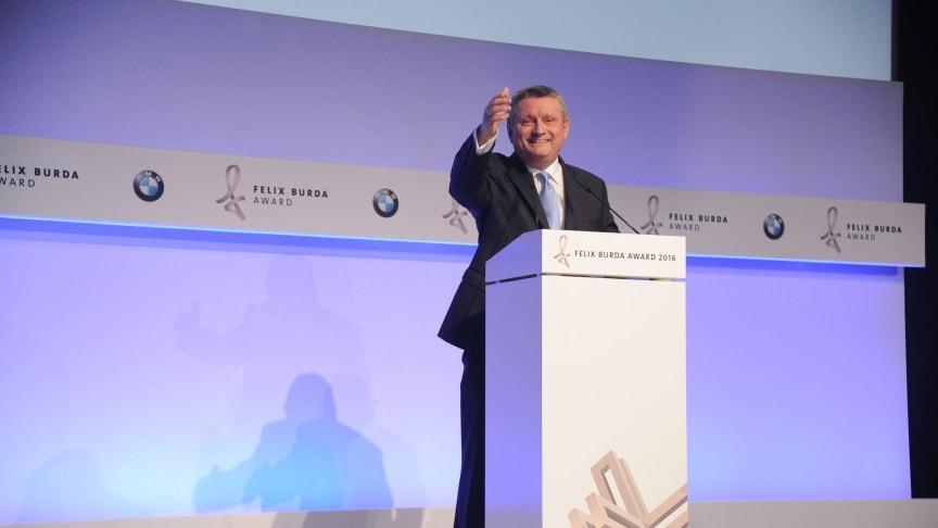 Bundesgesundheitsminister Hermann Gröhe eröffnete den Felix Burda Award 2016