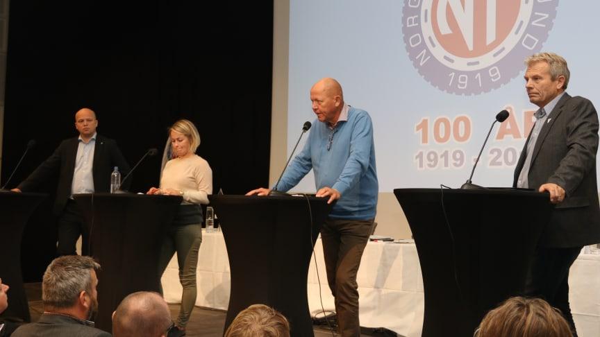 Det var gjensidig følelse av å være blant venner mellom politikerne og salen. Fra venstre Trygve Slagsvold Vedum (Sp), Silje J. Kjosbakken (Rødt), Øystein Langholm Hansen (Ap) og Arne Nævra (SV).