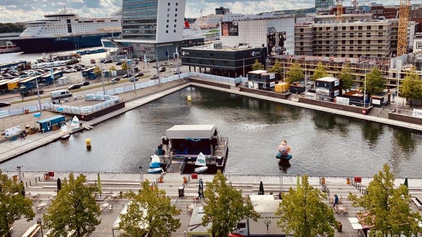 Das Live-Areal am Bootshafen bietet viel Platz für die Besucher*innen des Bootshafensommers.