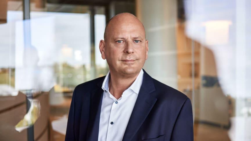 Vorstandsvorsitzender Holger Beeck übergibt an Mario Federico