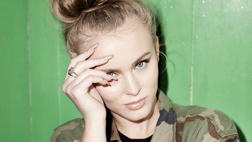 Sångerskan Zara Larsson får Roks pris Årets Kvinnogärning!