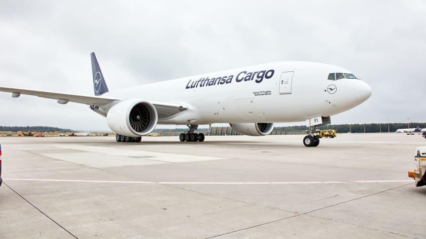 Gemeinsam nachhaltiger werden: Lufthansa Cargo bietet allen Kunden CO2-neutrale Frachtsendungen
