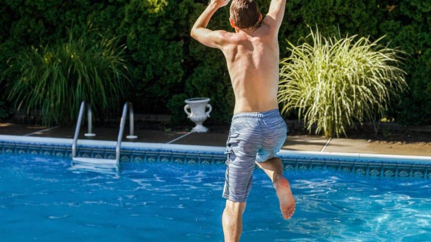 Sichere und normgerechte Wasserqualität sind in privaten Pools besonders wichtig