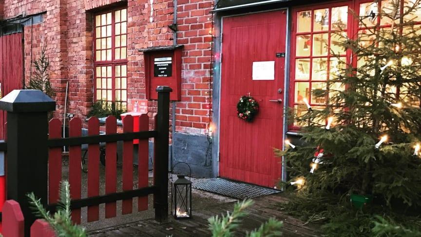 Frövifors Pappersbruksmuseum bjuder i år in till en julmarknad utomhus.