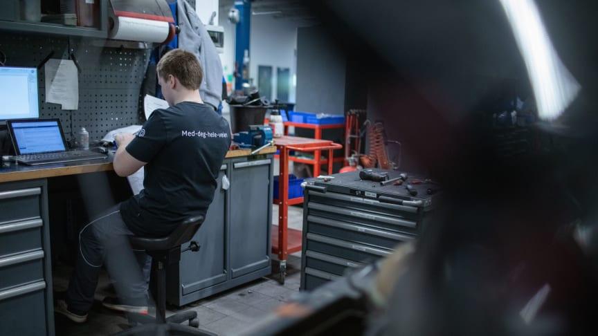 Alle mekanikere i Sulland-gruppen sertifiseres i Varme arbeider. Trainors e-læringskurs sørger for god kvalitet og effektiv kursadministrasjon. Foto: Sulland