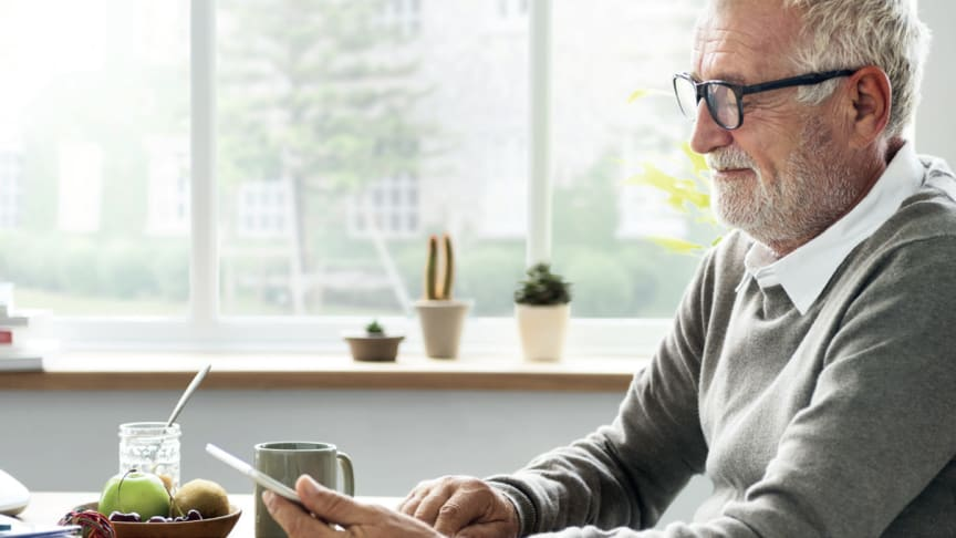 Nio av tio svenskar ser digitaliseringen som en utmaning för äldre