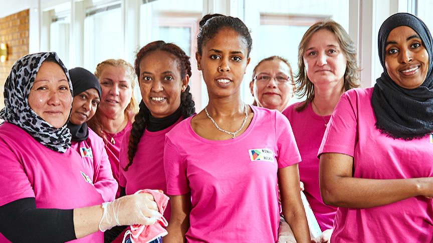 Kvinnor för Bäckby, fr v: Rahima, Ferdos, Betol, Mhret, Wodase, Silvia, Sahar och Kedira.