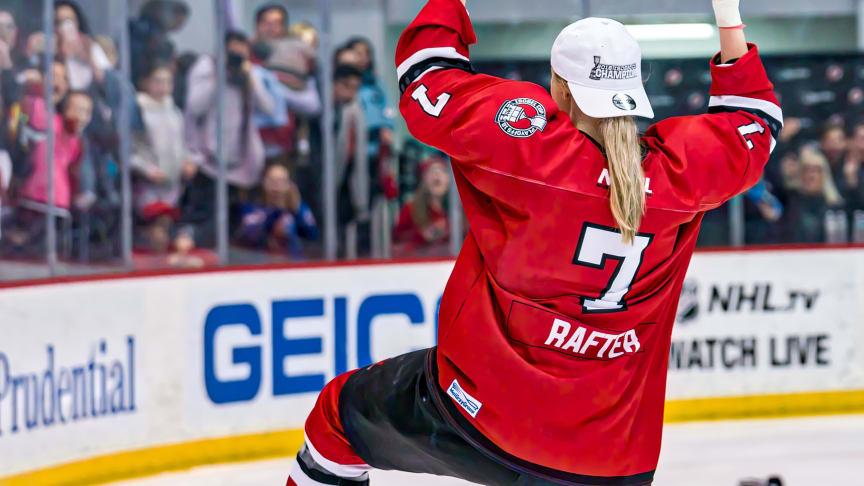 Den anerkendte canadiske ishockeyspiller Tatiana Rafter bliver cheftræner for Hvidovre Ishockey Klubs kvinder