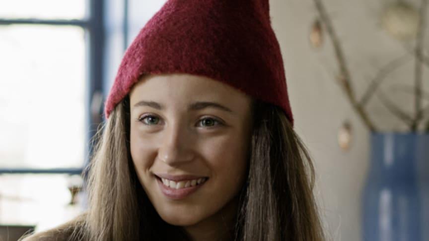Her ses hovedpersonen, nissepigen Tinka, fra TV 2's julekalender 'Tinkas Juleeventyr'. Foto: Agnethe Schlichtkrull/TV 2