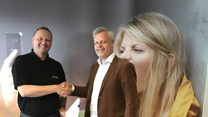 Per-Arne Sæther, daglig leder i Rissa Kraftlag og Jon Vedal, partneransvarlig i Get,  er begge svært fornøyde med den nye avtalen.