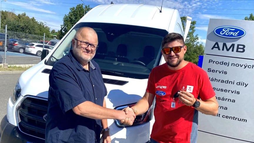 Nový Transit pro tým Martina Prokopa. Ten minulý najezdil za devět měsíců 23 000 km a navštvívil šest různých států.