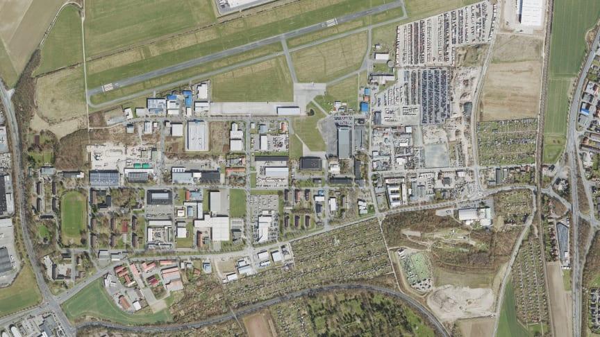 Luftbild des Gewerbegebiets Hildesheim Nord. Die Tiefbauarbeiten für das reine Glasfasernetz sind  gestartet. (Geobasisdaten © Stadt Hildesheim)