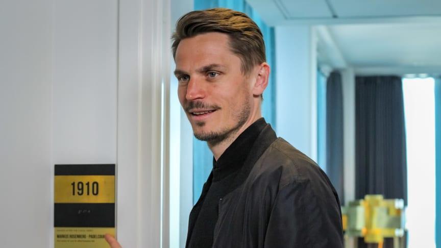 Markus Rosenberg namnger hotellrummet 1910 på Clarion Malmö Live.
