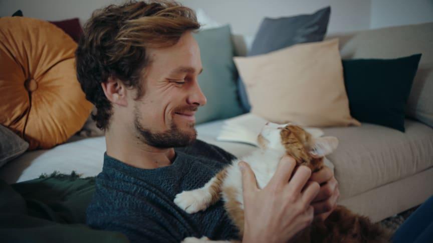 #gemeinsamglücklich: Fressnapf lässt das Corona-Jahr 2020 mit einem emotionalen Weihnachts-Clip Revue passieren