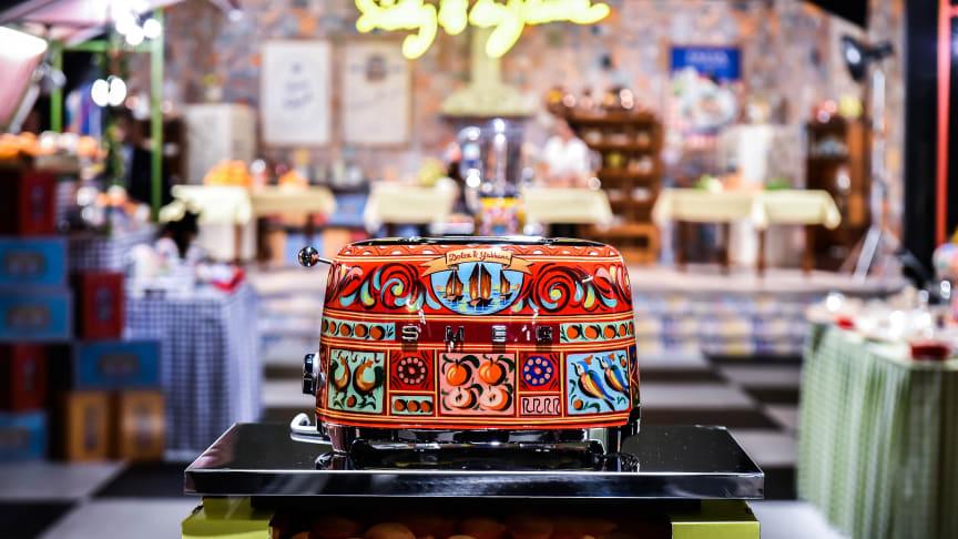 Brödrost med en omisskännlig Dolce&Gabbana-stil.