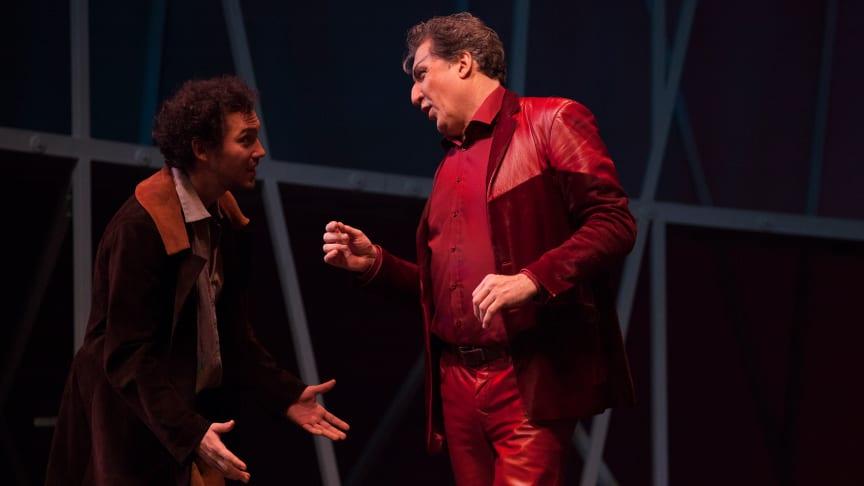 ‹Faust› am Goetheanum: Bernhard Glose als Faust, Christian Peter als Mephisto (Foto: Georg Tedeschi)